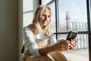 Loans for Retired Persons: Urgent Help When No Time to Earn